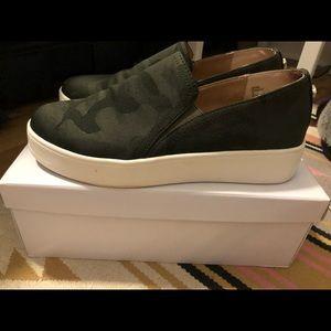 Steve Madden Camouflage Zayna Sneakers Size: 9